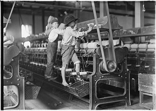 Bibb Mill No. 1, Macon, Ga. Many youngsters here. Some boys and girls were so small they had to climb up on to the... - NARA - 523148