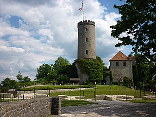 file bielefeld sparrenburg bergfried wikimedia commons. Black Bedroom Furniture Sets. Home Design Ideas