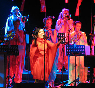 The Open Door - Image: Björk at Radio City Music Hall 2 May 2007 (2)