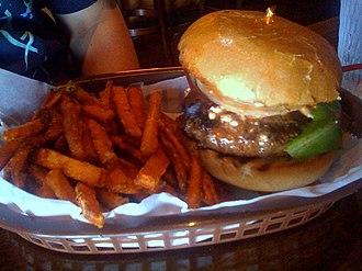Buffalo burger - A buffalo burger and sweet potato fries