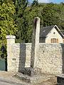 Blaincourt-lès-Précy (60), croix monolithe, rue des Sablons.JPG
