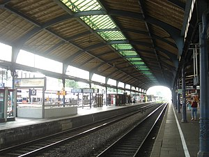 Bonn Hauptbahnhof - platforms and tracks