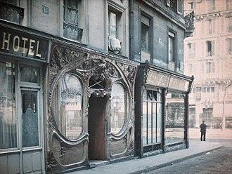 Brothels in Paris - Brasserie du Moulin facade c1920