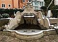Brunnen Camparihaus München.jpg