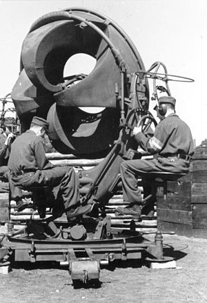 Luftwaffenhelfer - Hitler Youth operating an acoustic locator in early 1943.