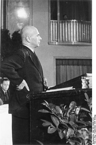 Jakob Kaiser - Kaiser at the East German CDU convention, 1947