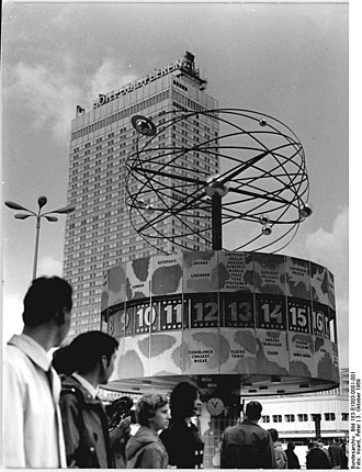 World Clock (Alexanderplatz) - The World Clock shortly after it was opened to the public, photo taken on 3 October 1969.