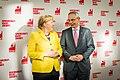Bundeskanzlerin Angela Merkel und der IG-BCE-Vorsitzende Michael Vassiliadis.jpg