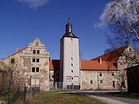 Burg Schneidlingen - Südansicht.jpg