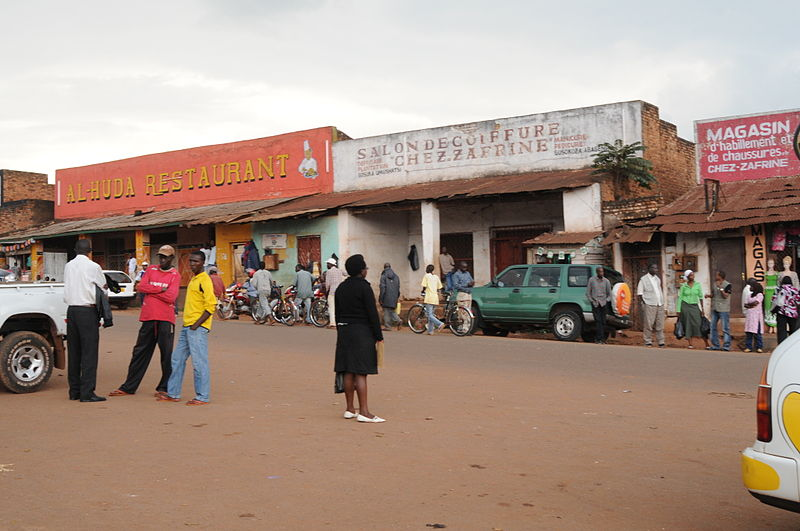 File:Bus and taxi station in Gitega (6908583203).jpg
