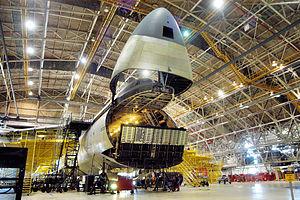C-5-Modifo ĉe Warner Robins Air Materiel Area.jpg