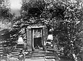 COLLECTIE TROPENMUSEUM Het graf van Putri Campa een prinses uit de periode van Majapahit TMnr 60027337.jpg