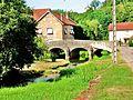 Calmoutier. Pont Harvant sur la Colombine. 2015-06-26.JPG