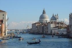 Canal Grande Chiesa della Salute e Dogana dal ponte dell Accademia.jpg