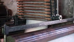 படிமம்:Carding machine 1913 – Mueller Woollen Cloth Mill.ogv