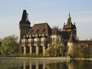 http://upload.wikimedia.org/wikipedia/commons/thumb/a/a3/Castle_of_Vajdahunyad.jpg/300px-Castle_of_Vajdahunyad.jpg