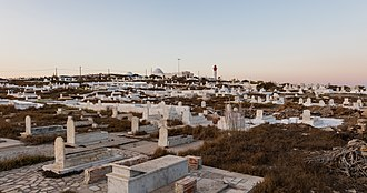 Mahdia - Image: Cementerio marino, Mahdia, Túnez, 2016 09 03, DD 16