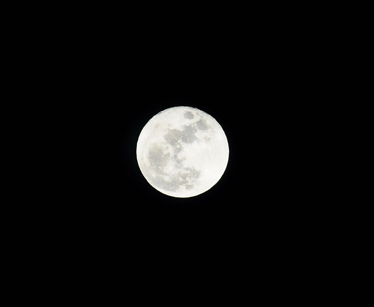 File:Christmas Evening Full Moon-2015.jpg