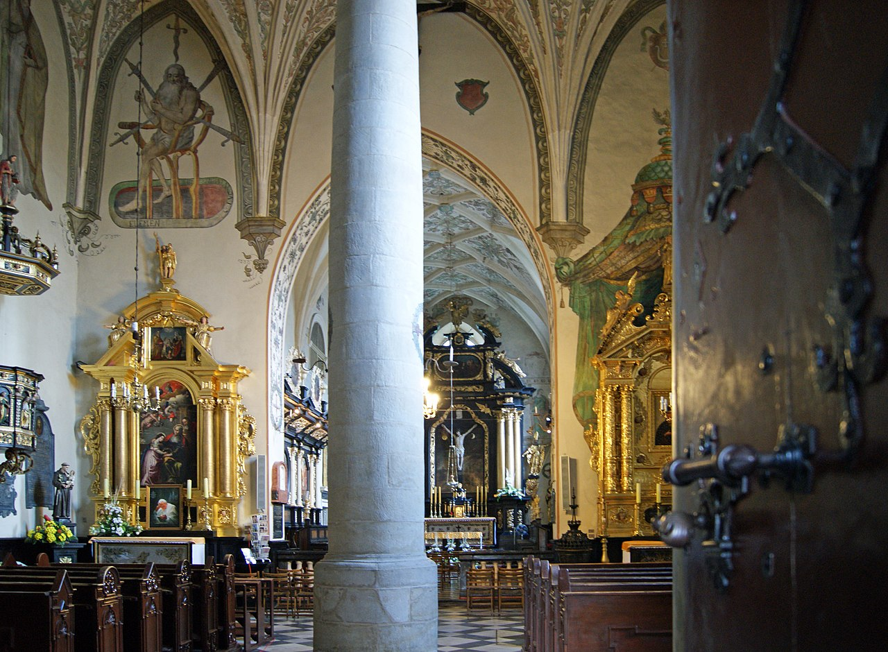 Kościół Świętego Krzyża - Kościół Matki Boskiej Śnieżnej