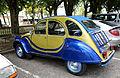 Citroën 2CV bleue&jaune.jpg