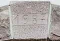 Clé de linteau, datée de 1987 à Cravanche.jpg