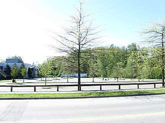 Clayton Heights Secondary School - Image: Clayton Heights Secondary school (parking)