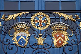 Coats of arms, balcony of Capitole of Toulouse 13.JPG