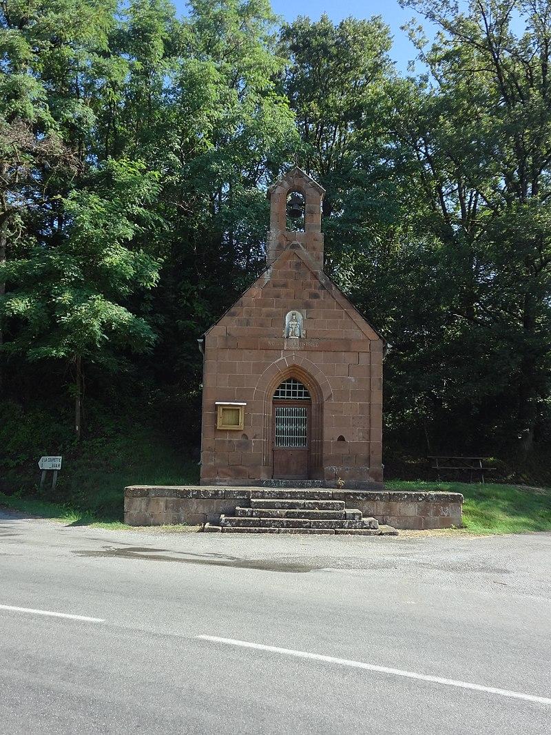 Combret, chapelle Notre-Dame de la Salette, façade.jpg