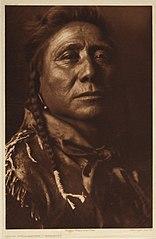 EDWARD SHERIFF CURTIS LE PHOTOGRAPHE DES AMÉRINDIENS 156px-Coups_Well_Known_-_Apsaroke%2C_1908