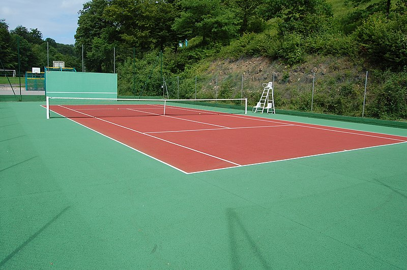 File:Court de Tennis Ranguevaux.jpg
