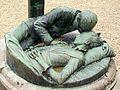 Crépy-en-Valois (60), monument aux morts (détail), devant l'église, hameau de Bouillant.jpg