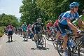 Critérium du Dauphiné 2014 - Etape 6 -Peloton au ravitaillement (2).jpg