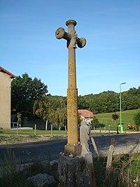 Croix de chemin de Sainte-Marguerite, côté vierge.jpg