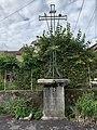 Croix de chemin intersection rue des Pinsons et rue des Rouge Gorges (Billignin).jpg
