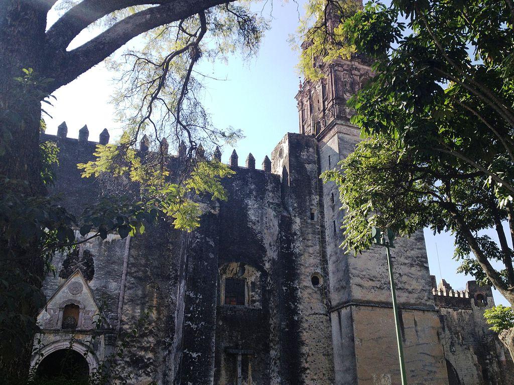 Antiguo convento franciscano de Cuernavaca, hoy catedral
