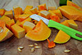 Cutting pumpkin (16757495900).jpg