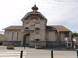 The town hall of Cys-la-Commune