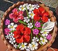 Décoration florale (Hoi An) (4411160656).jpg