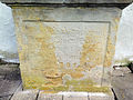D-6-74-147-150 Sockel des Friedhofskreuzes.JPG
