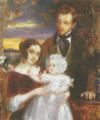 D. Domingos de Sousa Holstein e sua esposa D. Maria Luísa, tendo ao colo a filha D. Maria Luísa Domingas de Sousa Holstein.png