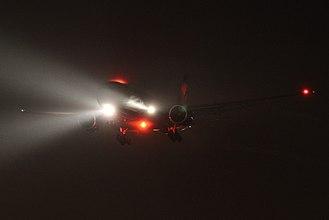 Landing lights - Boeing 777 landing lights