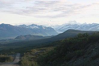 Hayes Range - Image: Denali Highway and Mt Hayes