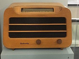 Alexander Girard - Detrola Model 579 (1946) radio designed by Girard, made of plywood