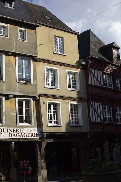 File:Dinan - 14 place des Cordeliers 20130216-01.jpg Исторические памятники Динана, достопримечательности Динана, фотографии Динана