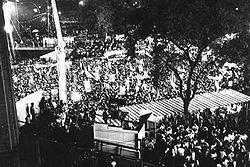 Vista parcial do comício do Vale do Anhangabaú, São Paulo, em 16 de abril de 1984. Foto: Jorge H. Singh