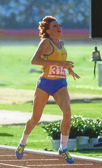 Doina Melinte - Melinte winning the 800 m final at the 1984 Olympics
