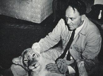 Mara the Lioness - Douglas Grindlay plays with Mara, 1965