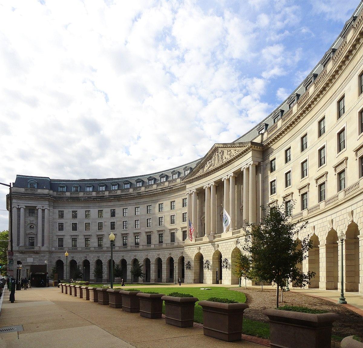 William Jefferson Clinton Federal Building - Wikipedia