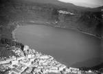 ETH-BIB-Genzano mit Lago di Nemi (künstlich abgesenkt)-Kilimanjaroflug 1929-30-LBS MH02-07-0002.tif