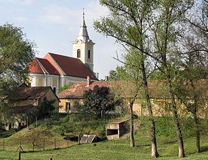 Előszállás - Roman Catholic church